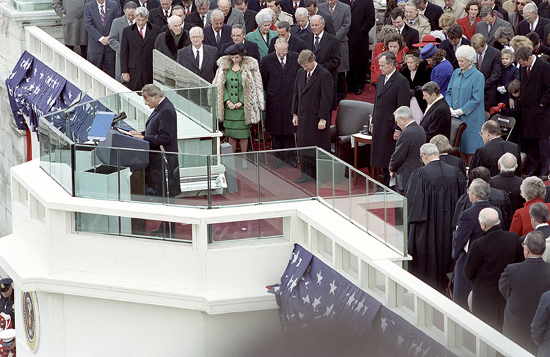 Full size image of Billy Graham delivering invocation in 1989.
